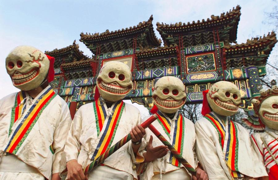 Lifestyle  FOTO: Cele mai ciudate obiceiuri de Revelion de pe mapamond