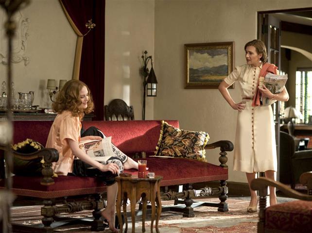 FILMS  10 seriale despre modă care merită să le vezi
