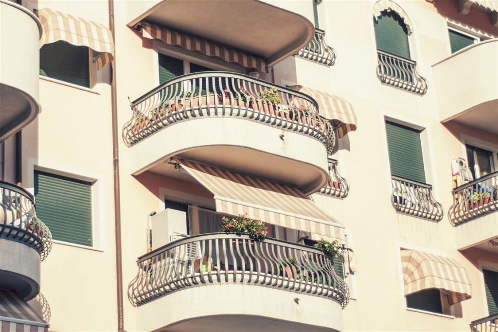 Trips Uncategorized @ro  Weekend la mare! Descoperim locuri noi în Liguria...
