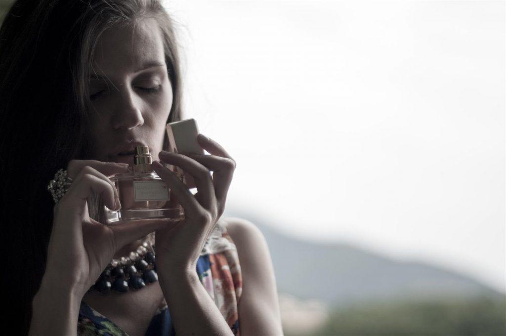 BEAUTY Uncategorized @ro  Cum alegi parfumul potrivit pielii tale? 5 sfaturi utile