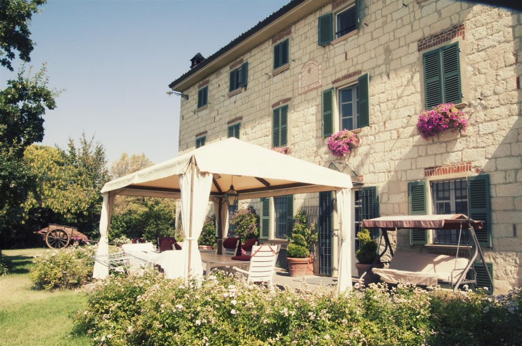 Trips Uncategorized @ro  Monferrato: Pe drumul vinului italienesc