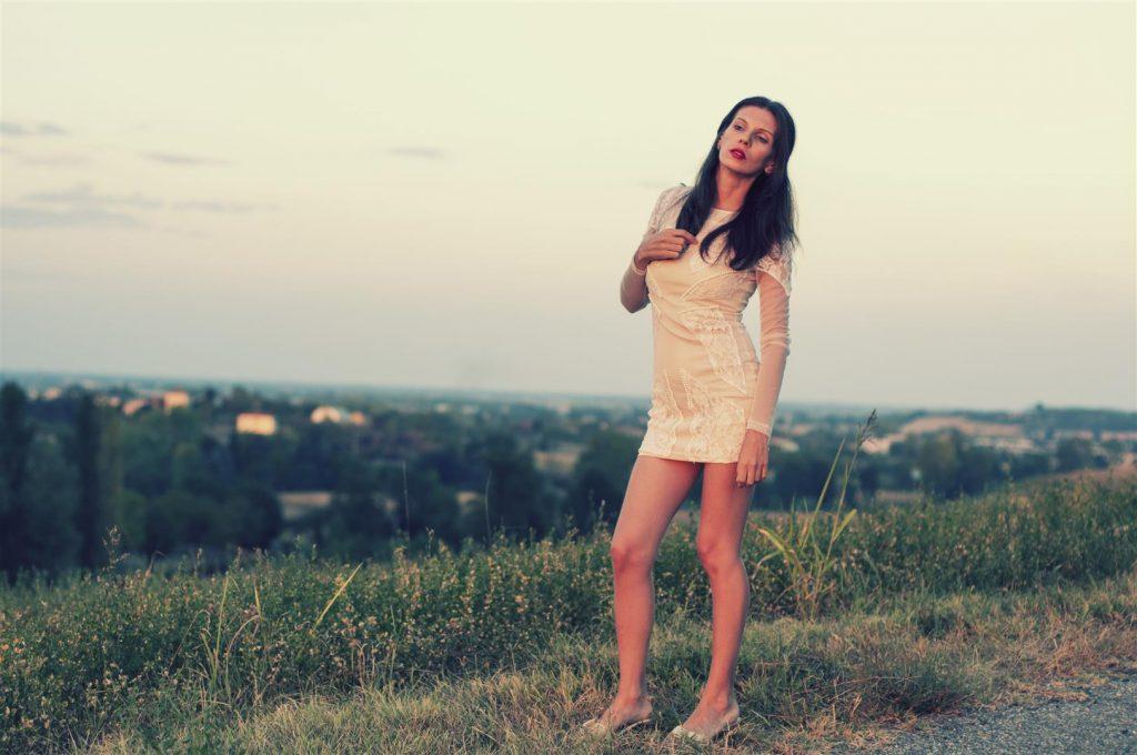 Lifestyle MY OUTFIT  O rochie scurtă și un apus de soare de poveste