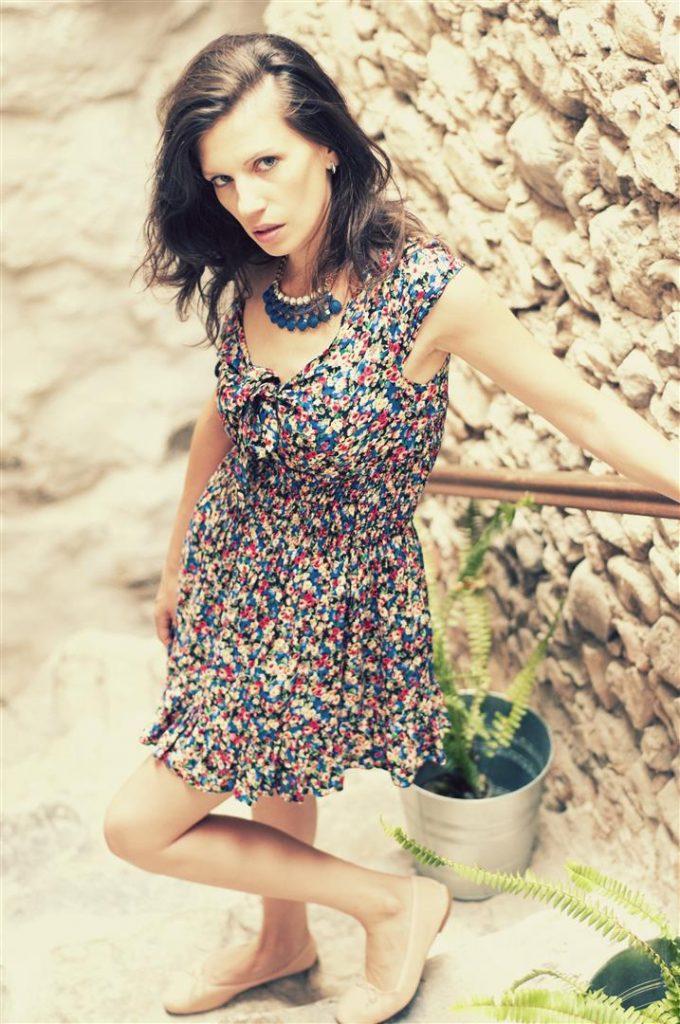 Fashion Lifestyle  Fantazii florale outfit! Cum să ai mereu flori cu tine