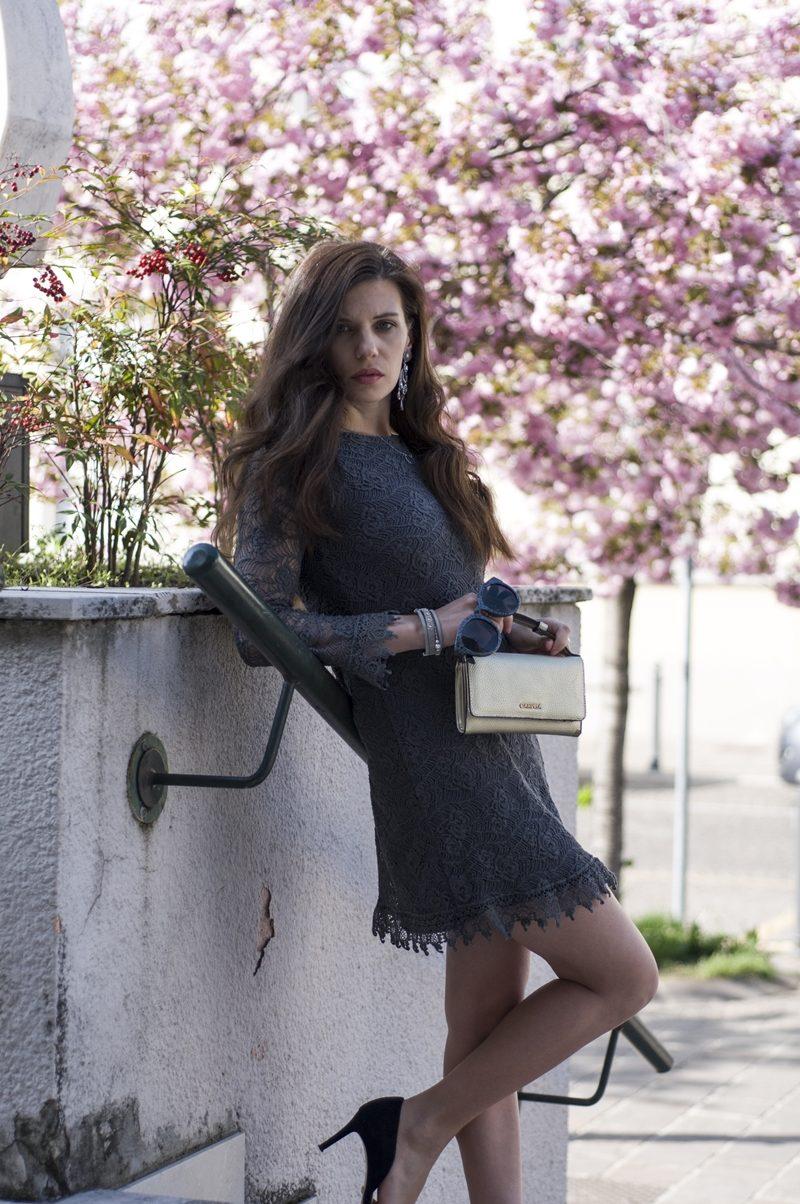 MY OUTFIT  Stil de primăvară: O rochie gri scurtă
